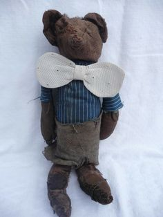 good looking fellow Old Teddy Bears, Antique Teddy Bears, Vintage Toys, How To Look Better, History, Antiques, Pictures, Handmade, Animals
