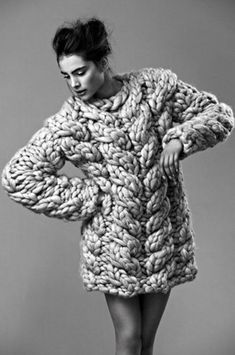 Large oversized cable knit jumper | Image via madamebarry.tumblr.com