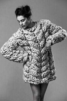 Large oversized cable knit jumper | Image via madamebarry.tumblr.com