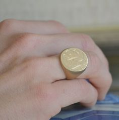 Boyfriend Signet Ring.  A classic LOVE this!