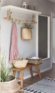Vintage Carpet, Decoration Entree, Diy Home Decor, Room Decor, Organizing Your Home, Scandinavian Interior, Scandinavian Wedding, Scandinavian Style, Entryway Decor