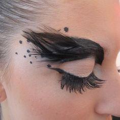 Ideas de maquillaje para el carnaval - Dia de Beauté - http://revista.vogue.globo.com/diadebeaute/2011/02/carnaval/