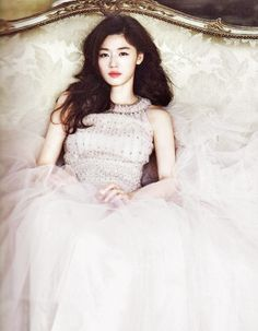white tulle wedding #dress :: Jun Ji Hyun for Elle Korea, May 2012