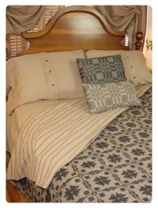 Fancy Snowball Coverlet from Primitive Beginnings