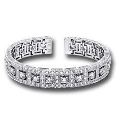 Martin Katz - a bracelet with a beautiful design and over 15 carats of diamonds.