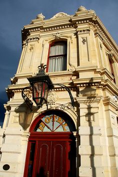 Criterion Hotel built in 1877, Oamaru, Canterbury, New Zealand.  Photo: geoftheref via Flickr