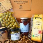 Five delicious food products from two greek regions where the stars of our foodbox in november Products from Attica and Ioannina. Subscription Boxes, Greek Recipes, Recipe Box, Healthy Gourmet, Yummy Food, November 2015, Olives, Products, Delicious Food