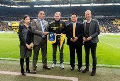 El Borussia Dortmund presenta a su nueva aerolínea oficial