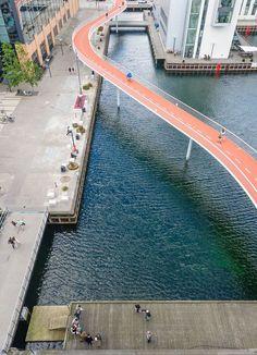 Waterfront cycling bridge