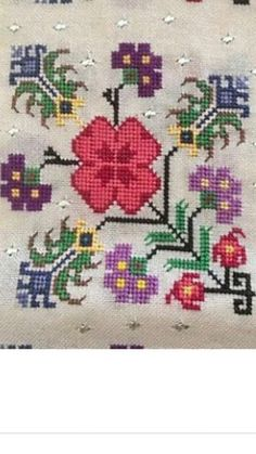 This Pin was discovered by müf Palestinian Embroidery, Hungarian Embroidery, Folk Embroidery, Learn Embroidery, Cross Stitch Embroidery, Embroidery Patterns, Cross Stitch Art, Cross Stitch Borders, Cross Stitch Flowers