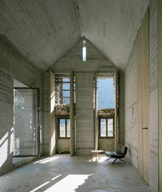 A 200 year old existing stone house in Linescio, Switzerland was renovated by Buchner Bründler Architekten with a distinctive, minimalistic approach. The house has been completely left in its original… Minimalist Interior, Modern Interior, Cabana, Old Stone Houses, Concrete Interiors, Exposed Concrete, Wood Shutters, Commercial Architecture, Le Chef