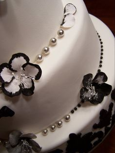 My client, www.aprillacakes.com, creates the most beautiful fondant cakes and gourmet cupcakes.