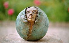Tagesenergie heute am 19. August - Kraftvolle Neumond-Energie und Portaltag Garden Sculpture, Outdoor Decor, 23 Juni, November, New Moon, Full Moon, Paradise On Earth, November Born