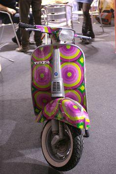 Piaggio Vespa Cool Auto Expo 2008 by PJ Franz, via Flickr