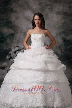 Lovely Project Runway wedding dress in St Catharines Cheap wedding dress discount wedding dress