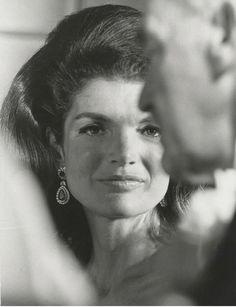 John Kennedy Jr, Jacqueline Kennedy Onassis, John Fitzgerald, Diana Vreeland, Famous Photos, Lonely Heart, Jfk, Old Hollywood, Beautiful Women