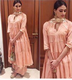 Sukriti#aakriti# wrinkle pallaz# buttery peach look # shop at Ogan # Indian fashion
