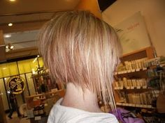 Disconnected Razor A-line Bob ....  want to do this when I cut my hair off again.
