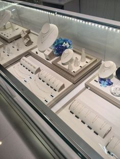 Diamonds Displays for Counter: