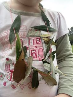 Threading Leaves #DIY #KIDS