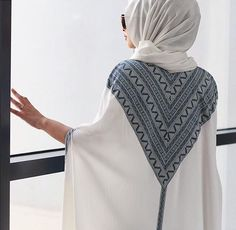 Hijab look … Islamic Fashion, Muslim Fashion, Modest Fashion, Love Fashion, Abaya Designs, Hijab Outfit, Abaya Pattern, Modele Hijab, Hijab Look