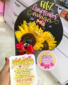 Sunflower Bouquets, Diy Gift Box, Diy Crafts For Gifts, Friend Birthday Gifts, Valentine Gifts, Hand Lettering, Doodles, Merry, Ideas
