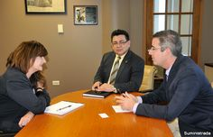 Director y CRO de la AEE se reúnen con presidente de Comisión de Energía