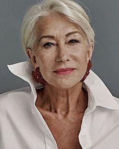 Foto Portrait, Female Portrait, Helen Mirren, Stylish Older Women, Dame Helen, Beautiful Old Woman, Beautiful Things, Advanced Style, Ageless Beauty
