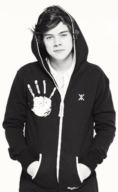 harry styles...whatever, I just want his shirt to show my allegiance to Saruman. :p