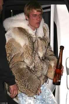 Man In BOULEZAR Red Fox Fur Hoodie Mens Fur Coatsjackets - Feuerwehr skin fur minecraft pe