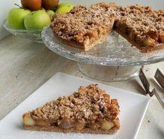 jablkovo-hruškový FIT koláč z celozrnnej múky Krispie Treats, Rice Krispies, Banana Bread, Food And Drink, Fitness, Diet, Rice Krispie Treats
