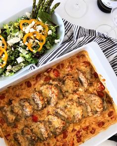 fläskfilegratäng matmedsofie Pork Recipes, Lunch Recipes, Keto Recipes, Tasty Videos, Easy Peasy, Lchf, Bacon, Food And Drink, Diet
