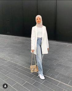 Hijab Fashion Summer, Modern Hijab Fashion, Street Hijab Fashion, Modesty Fashion, Hijab Fashion Inspiration, Muslim Fashion, Mode Turban, Trendy Outfits, Fashion Outfits