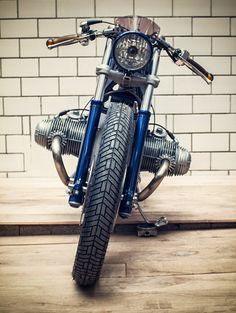 BMW by Kingston Custom Motorcycles Vintage Bikes, Vintage Motorcycles, Custom Motorcycles, Custom Bikes, Bmw Cafe Racer, Custom Cafe Racer, Cafe Racers, Bmw Boxer, Bike Bmw