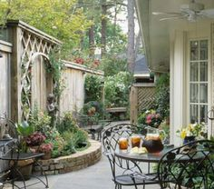 Planning a Comely Courtyard A courtyard is the garden living area that comes closest to being a true outdoor room. These elegant spaces provide the ultimate in privacy.