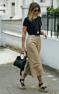 Casual Summer Office Outfits to Show Your Style at Work - Outfit & Fashion Trajes Business Casual, Business Casual Outfits For Work, Work Casual, Casual Work Outfit Summer, Casual Office Wear, Black Culottes Outfit Summer, Summer Casual Outfits For Women, Boho Work Outfit, Summer Wear For Women