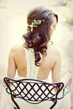 Great alternative to a veil, tiara, or fascinator and perfect for an early Fall wedding. $58