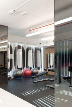 43 New Ideas Fitness Gym Interior Design Modern Luxury Gym Design, Fitness Design, Home Office Design, House Design, Gym Interior, Modern Interior Design, Studio Interior, Workout Playlist, Piscina Spa