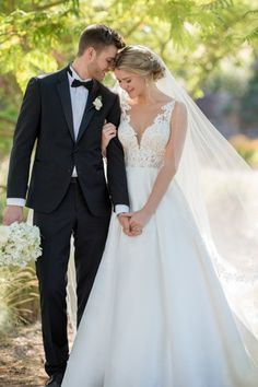 Ball gown wedding dress idea - lace bodice with v-neckline and classic skirt. Style from Essense of Australia. See more wedding dress inspo on WeddingWire! wedding photos Essense of Australia Wedding Dresses, Essense of Australia Photos Essense Of Australia Wedding Dresses, Western Wedding Dresses, Classic Wedding Dress, Designer Wedding Dresses, Wedding Picture Poses, Wedding Couple Poses, Wedding Photography Poses, Mod Wedding, Formal Wedding