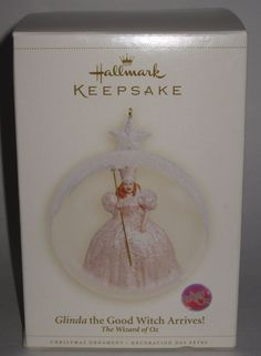 Hallmark Keepsake Ornament Glinda the Good Witch Arrives! - Wizard of Oz