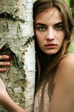 Beautiful Girl in the Enchanted Forest (10 photos) - My Modern Metropolis