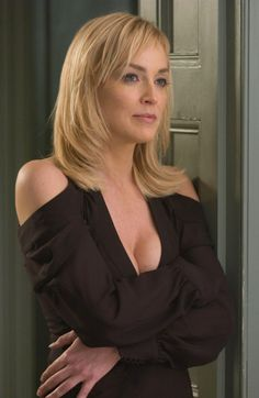 The special edition: Sharon Stone: humus — LiveJournal Sharon Stone Photos, Jenifer Aniston, Basic Instinct, Actrices Hollywood, Beautiful Actresses, Belle Photo, Beauty Women, Marie, Beautiful Women