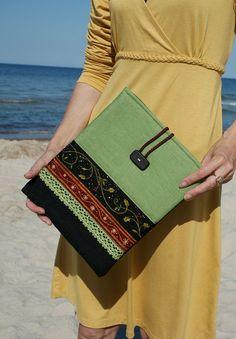 Apple iPad Sleeve Case/ three pockets/ padded/ linen by sandrastju