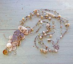 Nina Bagley - souvenir heart necklace from Etsy Enamel Jewelry, Metal Jewelry, Beaded Jewelry, Vintage Jewelry, Jewelry Necklaces, Handmade Jewelry, Bracelets, Jewelry Crafts, Jewelry Art