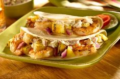 Bite into our delicious Shrimp Tacos with Jalapeno Tartar Sauce made with Hellmann's® Light Mayonnaise, pickled jalapeno peppers and pineapples. Cauliflower Couscous, Kale Quinoa Salad, Teriyaki Shrimp, Shrimp Tacos, Easy Beef Wellington, Tartar Sauce, Roasted Salmon, Chicken Flavors, How To Cook Steak