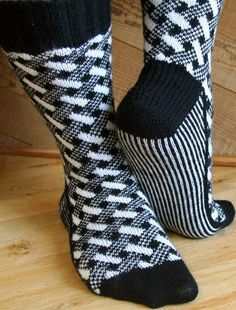 Plaid Play: Lattice Socks - Knitting Patterns and Crochet Patterns from KnitPicks.com
