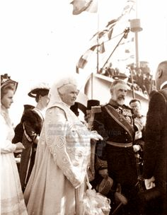 Carol I și Regina Elisabeta. Michael I Of Romania, Romanian Royal Family, Central And Eastern Europe, Blue Bloods, Royal Weddings, Kaiser, Pet Portraits, Royalty, Queens