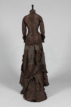 Promenade dress, ca 1875
