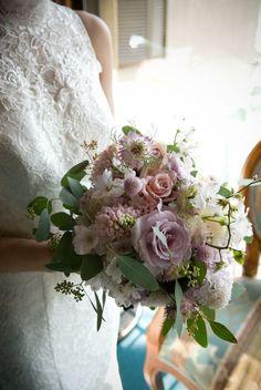 新郎新婦様からのメール 光 ラビュットボワゼ様の装花3 : 一会 ウエディングの花