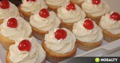 Citromos sajttortás cupcake recept képpel. Hozzávalók és az elkészítés részletes leírása. A citromos sajttortás cupcake elkészítési ideje: 30 perc Mini Cupcakes, Cupcake Cakes, Cup Cakes, Strawberry Shortcake Cupcake, Bread Dough Recipe, Cheesecake, Cooking Recipes, Cookies, Food